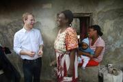 Utviklingsminister-Heikki-Holmas-i-Dar-es-Salaam_large